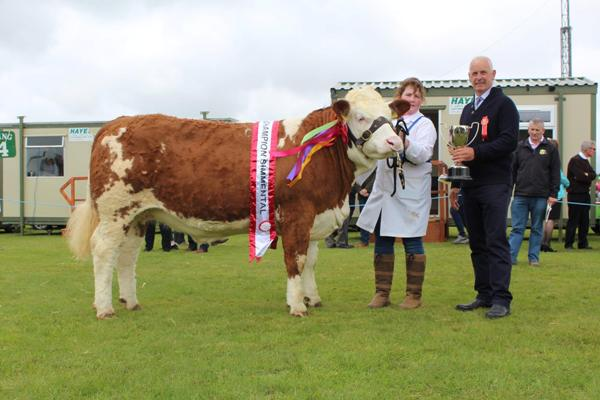 Female & Overall Champion 'Quitrent Giselle'