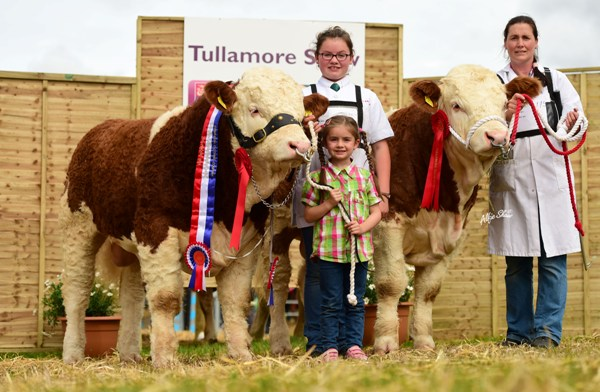 National Junior Progeny Pairs Champions 'Shiloh-Farm Forever Royal' & 'Shiloh Freedom'